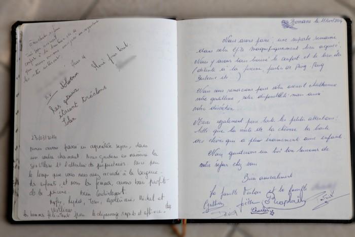 Copie des pages du livre d'or