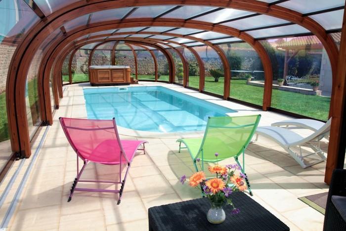 Gite avec piscine chauffée couverte
