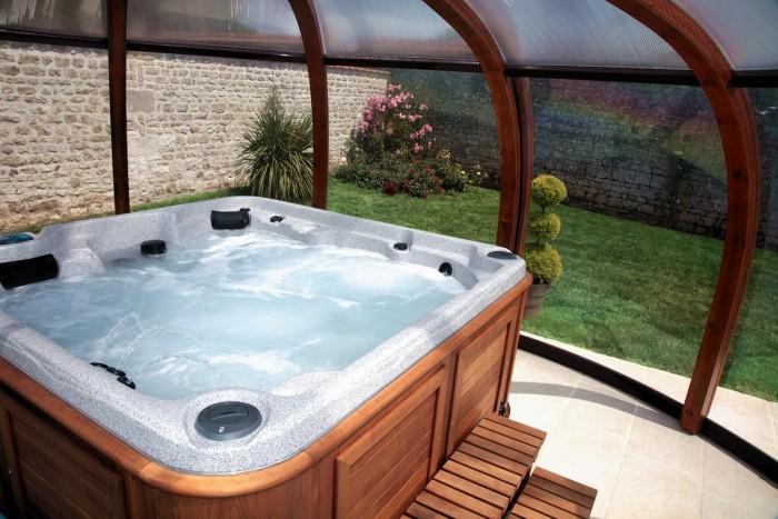gite haut de gamme piscine chauff e toute l 39 ann e deux s vres la bergerie. Black Bedroom Furniture Sets. Home Design Ideas
