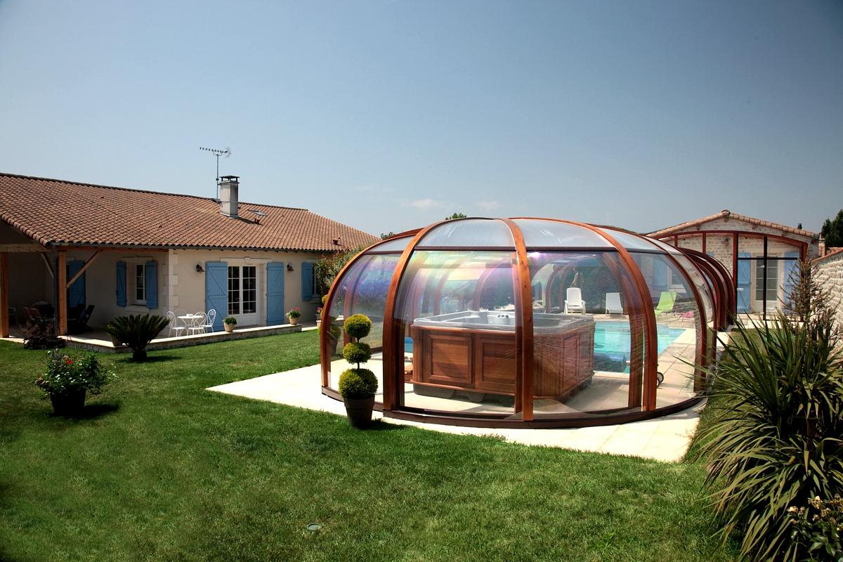 Gite avec pr au terrasse couverte barbecue et parking priv for Tout pour la piscine le pontet